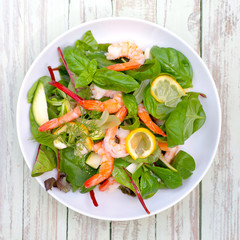 Salad with scampi