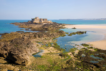Saint Malo, Fort National and beach