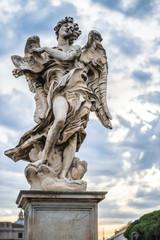 Roma statua di angelo