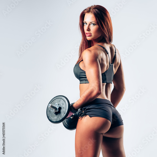fitness woman - 65075564
