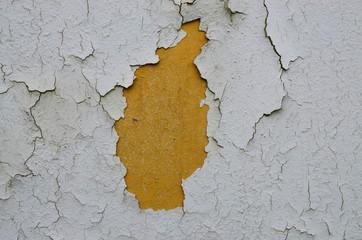 Alte Wandfarbe blättert ab