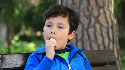 Child eating icecream