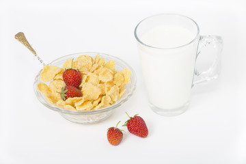 cornflakes with milk and strawberries