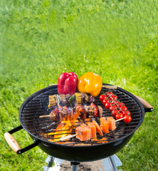 Grill with vegetable and meat