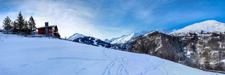 panoramique Alpes Paysage de montagne chalet