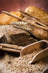 assortimento di pane integrale