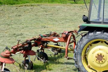 Kreiselschwader am Traktor