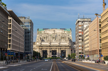 Via Vittor Pisani leading to Milano Centrale station