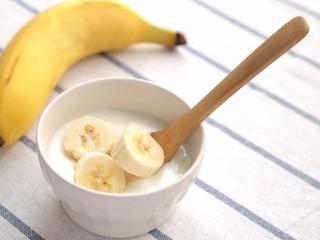 ヨーグルトとバナナ