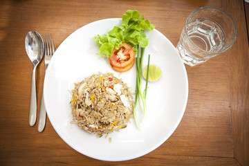 Khao phat pu, Fried rice with crabmeat silverware water