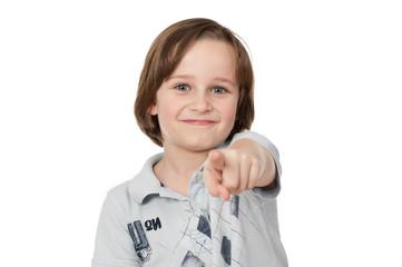 kind zeigt mit dem finger
