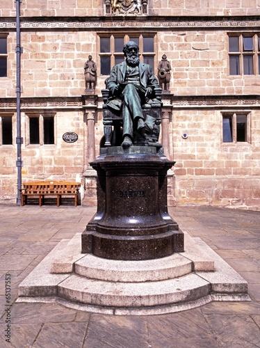 Statue of Darwin, Shrewsbury © Arena Photo UK