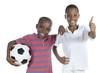 canvas print picture - Zwei afrikanische Jungs mit Fussball halten Daumen hoch