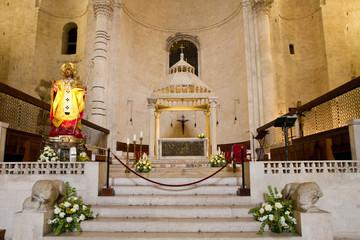 altare di una chiesa a Dubrovnik
