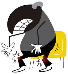 膝の痛みに苦しむ男性