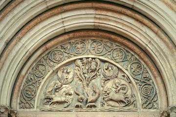 Antique portal