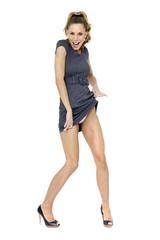 Junge Frau im Minikleid , sexy Pose