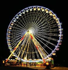 Grande roue en nocturne