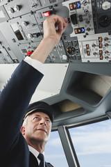 Deutschland,Bayern,München,Top- Flugkapitän Pilotierung Flugzeug von Flugzeug-Cockpit