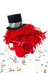 clown mit zylinder und konfetti