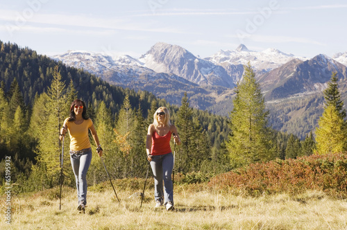 canvas print picture Zwei Frauen im Berg, Nordic Walking