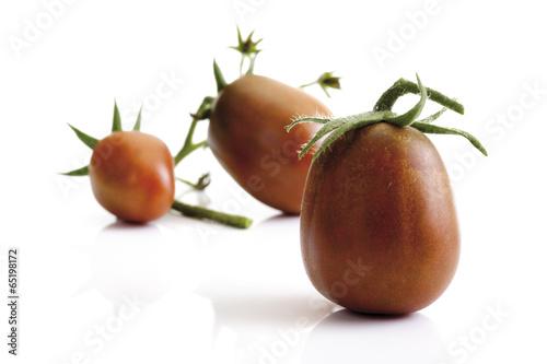 canvas print picture Historische Tomaten, Black Plum , close-up