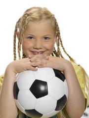 Mädchen (8-11 ) mit Fußball Porträt