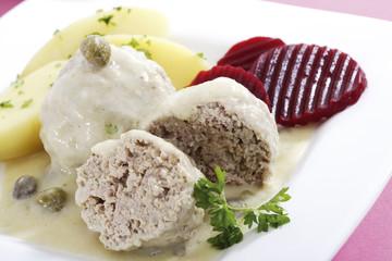 Königsberger Klopse, Fleischbällchen mit Kapern-Sauce