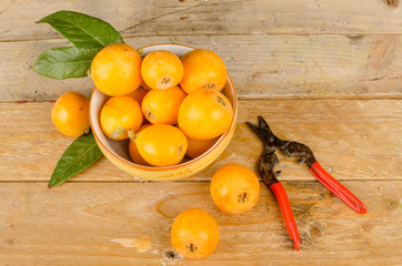 Loquats in a bowl