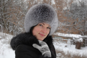 pretty woman in winter outfit
