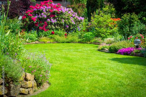 Garten mit Rhododendren