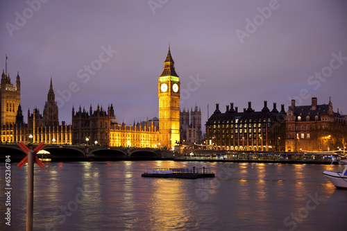 Foto op Canvas Praag Night view of Big Ben and Houses of Parliament, London UK