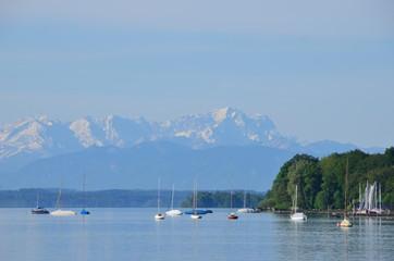 Der Starnberger See und die Alpen