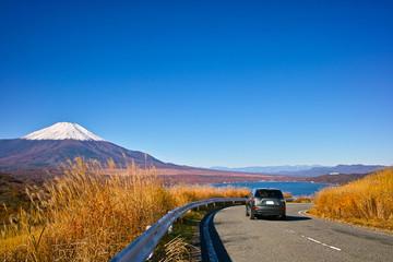 富士山と自動車