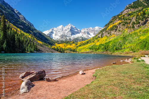 Maroon Bells and Lake in Fall - 65252153