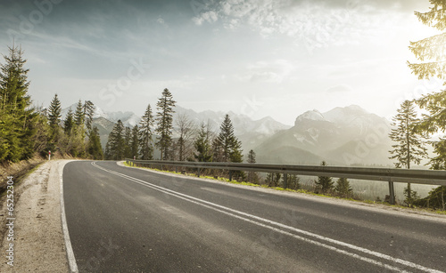The road to Palenica Bialczanska and further to Morskie Oko