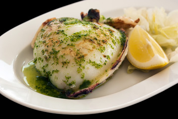 Grilled cuttlefish in garlic sauce