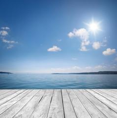 Hintergrund am Wasser