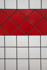 Mattonelle bianche e rosse