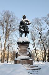 Памятник Петру I в Кронштадте зимой