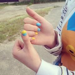 Ukrainian flag nail