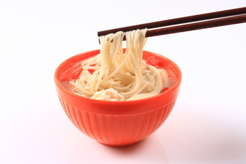 A bowl of noodles