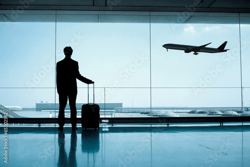 businessman at the airport - 65302562