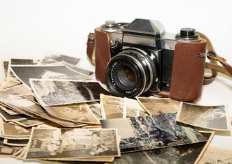 alte analoge Fotokamera mit Bildern