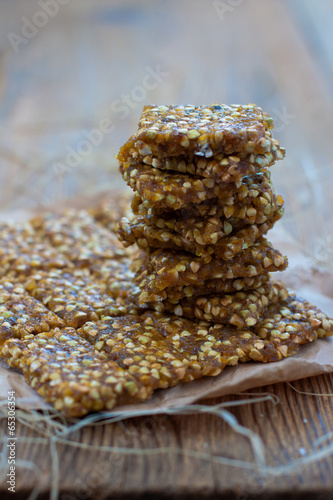 Papiers peints Assortiment Energy bar of green buckwheat, seeds and dried fruit