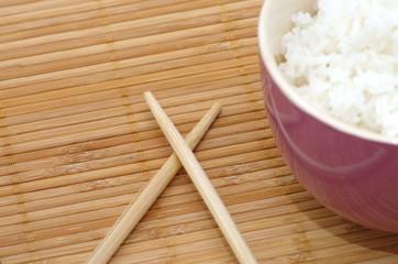 baguettes et bol de riz