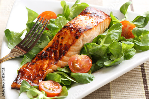 Spoed canvasdoek 2cm dik Vis Grilled salmon with a honey glaze