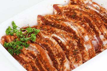 Tranches de poitrine de porc marinées à la mexicaine