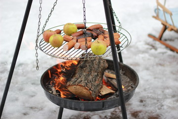 grill on snow