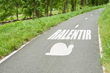 concept route de campagne sécurité routière